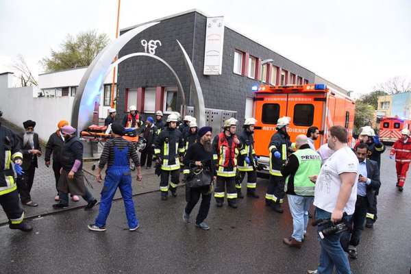 German bomb attack Gurdwara - Outside emergency services